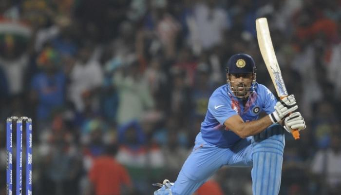 मोहाली वनडेमध्ये धोनीचे तीन विश्वविक्रम