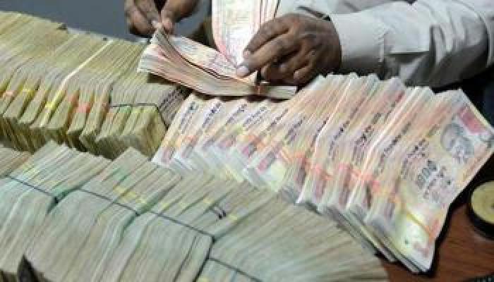 बरेलीत गोणीत नोटा जाळल्या तर गंगा नदीच्या पात्रात लाखोंच्या 500,1000च्या नोटा