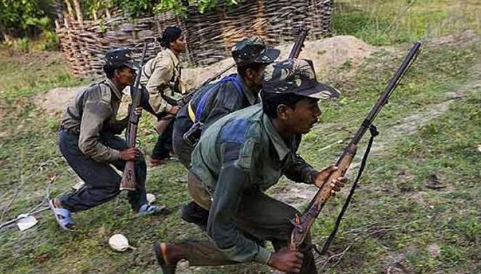 222 माओवाद्यांचे पोलिसांसमोर आत्मसमर्पण