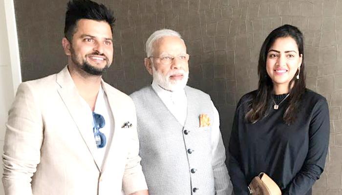 क्रिकेटर सुरेश रैना नेदरलँडमध्ये पत्नी प्रियंकासोबत भेटले पीएम मोदींना