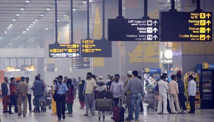दिल्ली विमानतळावर आयसीसच्या ऐजंटला अटक