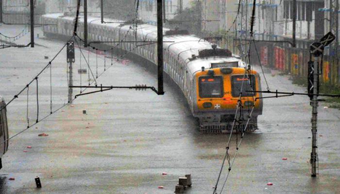 आमची धावती मुंबई तब्बल ८ तासांपासून ठप्प