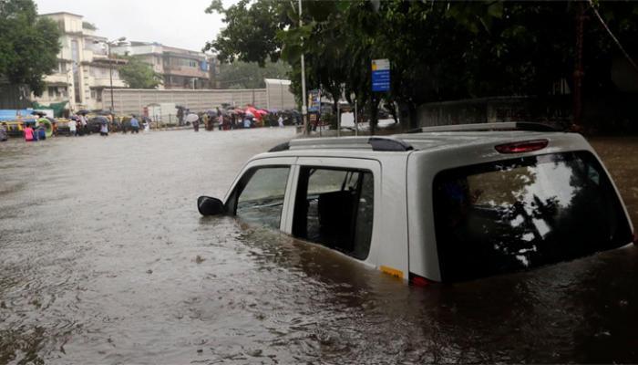मुंबई जलमय : मदत न करता मदत केलेल्या दाव्याची अशी पोलखोल
