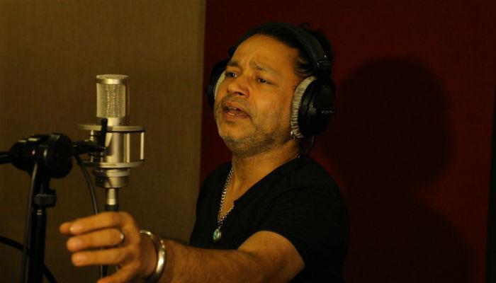 कैलाश खेरने गायलं मिलिंद शिंदेच्या मराठी सिनेमातील गाणं....