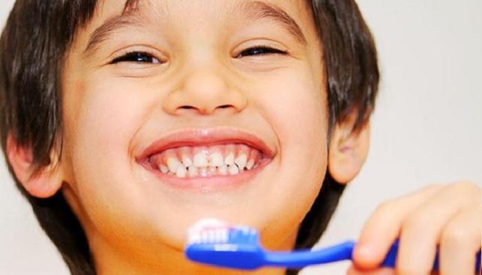 कायम स्वच्छ सुंदर दातांसाठी साध्या टीप्स