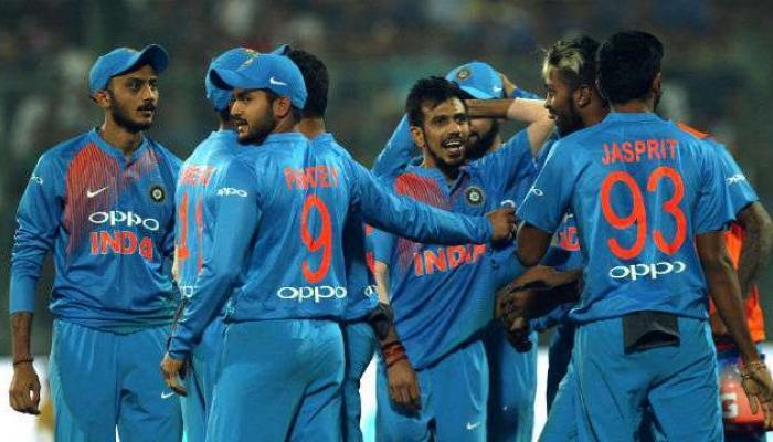 नेहराला विजयी निरोप, भारताचा दणदणीत विजय