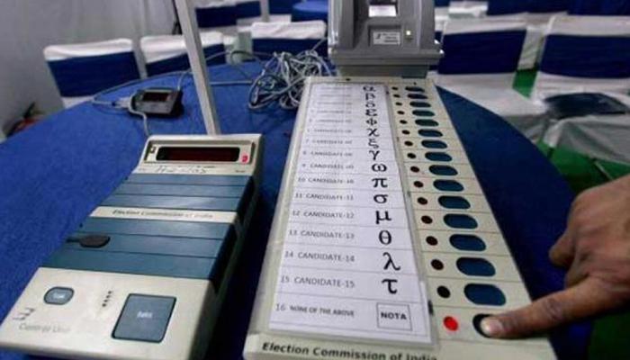 हिमाचल प्रदेशात मतदानाला सुरूवात, कॉंग्रेस-भाजप आमनेसामने