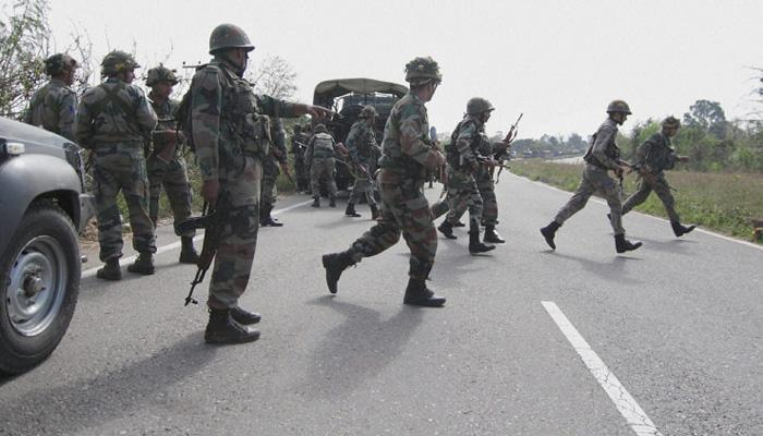 काश्मीरमध्ये दहशतवाद्यांचा जवानांवर हल्ला