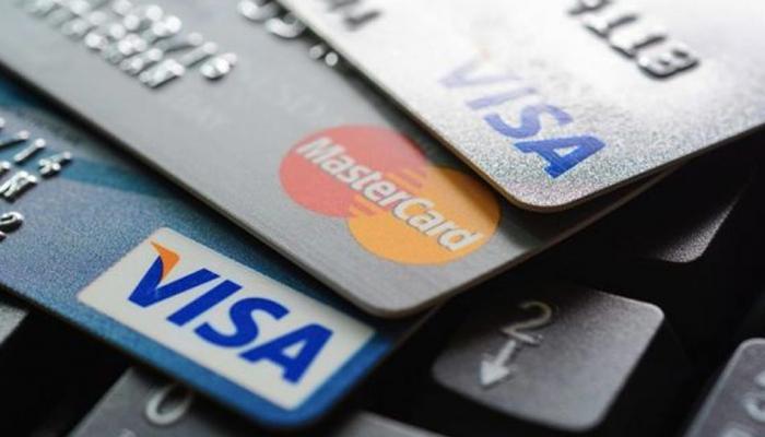 ४०,००० ग्राहकांच्या क्रेडिट कार्डची माहिती झाली चोरी, यामध्ये तुमचं नाव तर नाही ना?