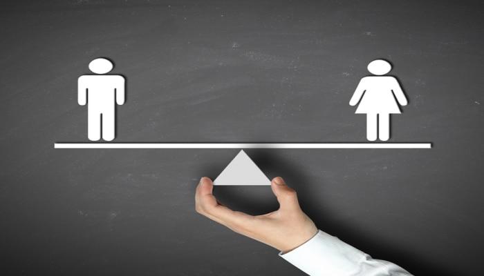 मुलांना अशी द्या स्त्री पुरूष समानतेची शिकवण !