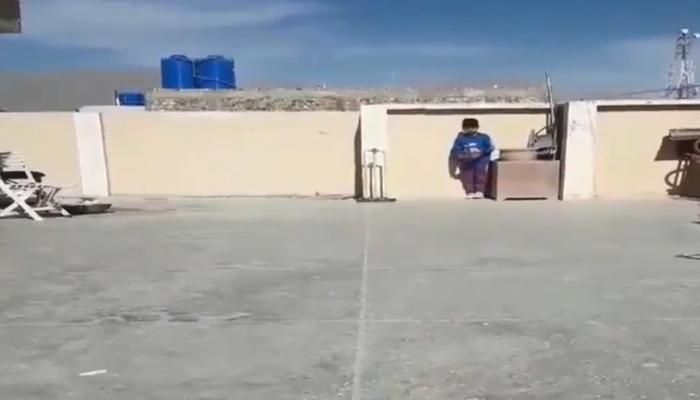 Video :  पाकिस्तानचा छोटा 'शेन वॉर्न', फिरकीचे फॅन वसीम आणि शोएब