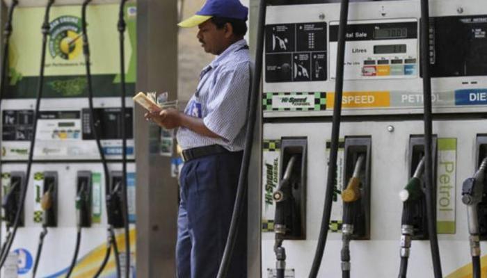 पेट्रोलियम मंत्र्यांचे मोठे वक्तव्य : याप्रकारे स्वस्त होणार पेट्रोल - डीझेल