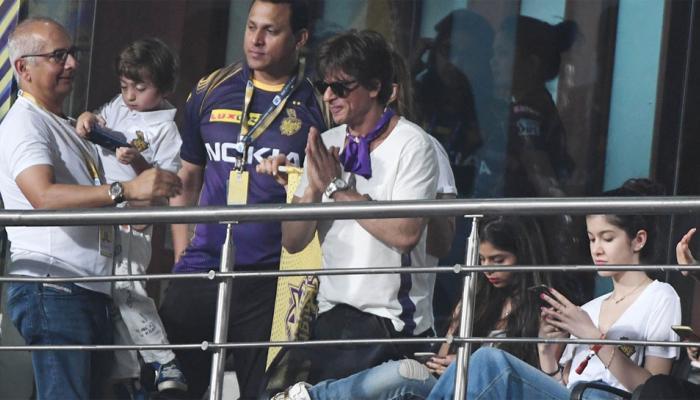 शाहरुखची इच्छा, क्रिकेट नाही अबरामनं हा खेळ खेळावा!