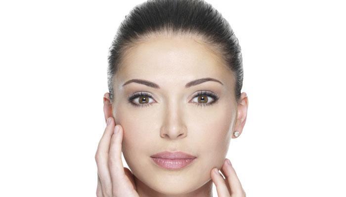त्वचेचे सौंदर्य खुलवण्यासाठी कोथिंबरचा फेसपॅक ठरेल उपयुक्त!