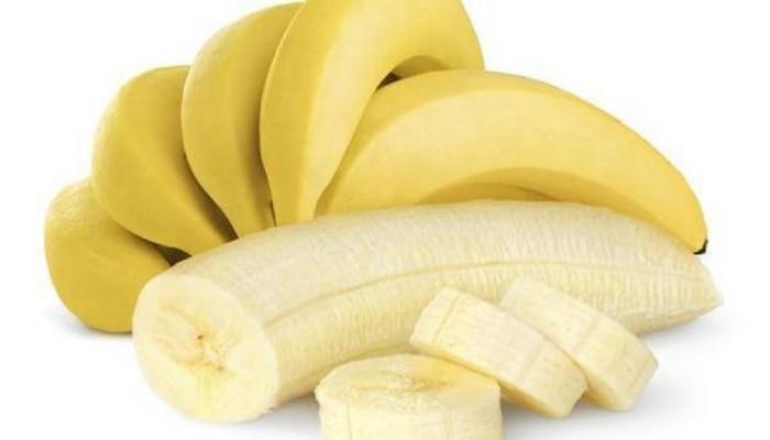केसांना केळं लावण्याचे ५ चमत्कारीक फायदे!
