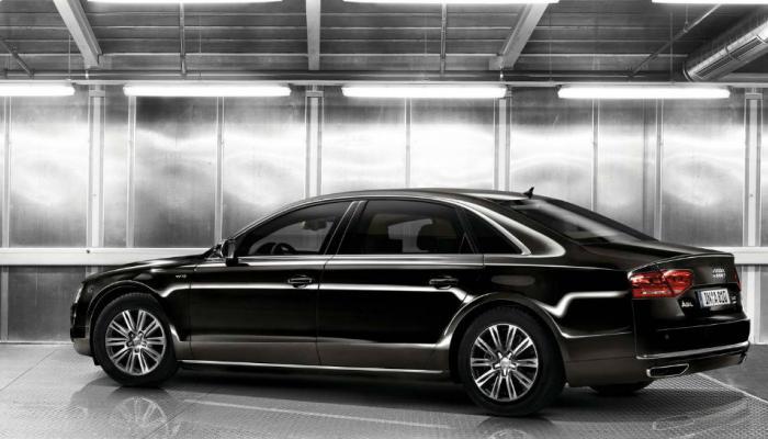 'या' कंपनीच्या कार वर मिळतेय तब्बल 10 लाखांपर्यंतची सूट