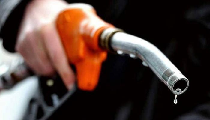 सलग दुसऱ्या दिवशी पेट्रोल-डिझेलच्या दरात कपात