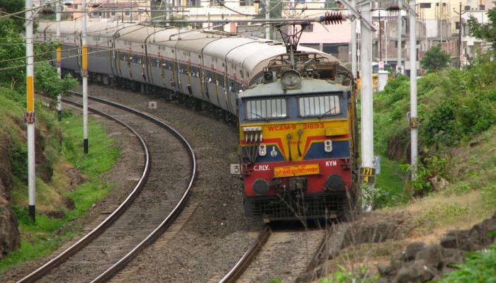 'ट्रेन लेट झाल्यास रेल्वे अधिकाऱ्यांची बढती रोखणार' - रेल्वेमंत्री