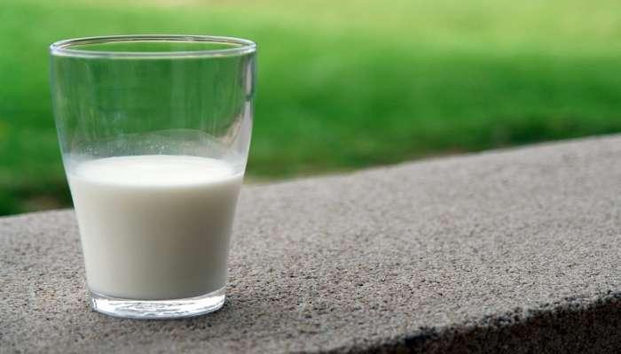 दूध कधी पिणं ठरेल आरोग्याला अधिक फायदेशीर?