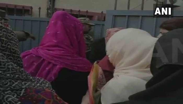 पाकिस्तानात निवडणुकीत लष्कराची मनमानी, महिलांना मतदानापासून रोखले