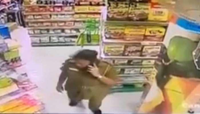 चोरी करतांना रंगे हात पकडली गेली महिला पोलीस कॉन्स्टेबल