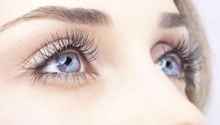 डोळ्यांचा लालसरपणा कमी करण्यासाठी नैसर्गिक उपाय