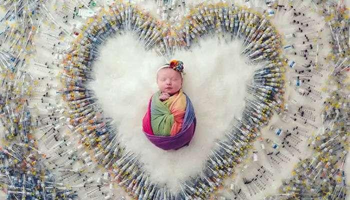 आई-वडिलांनी ७० हजार इंजेक्शनच्या सुईसोबत बाळाचा फोटो काढला कारण...