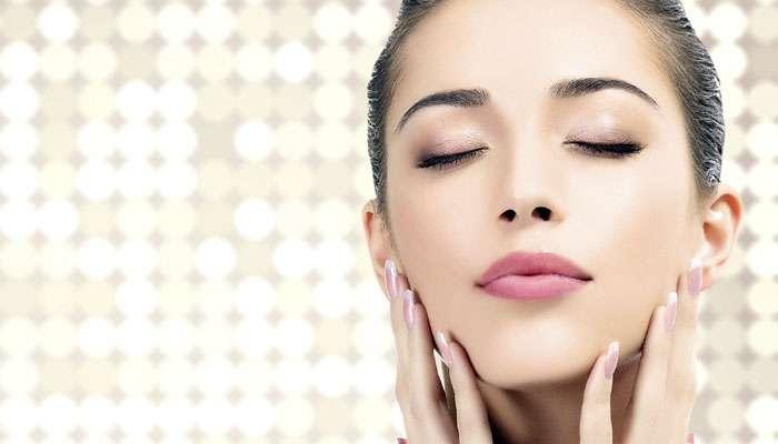 त्वचा मुलायम आणि तजेलदार ठेवण्यासाठी खास घरगुती स्क्रब