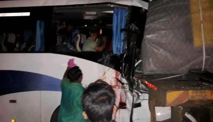 टाटा कॅन्सर रुग्णालयातील डॉक्टरांच्या बसला अपघात, चालक ठार, ३० डॉक्टर जखमी