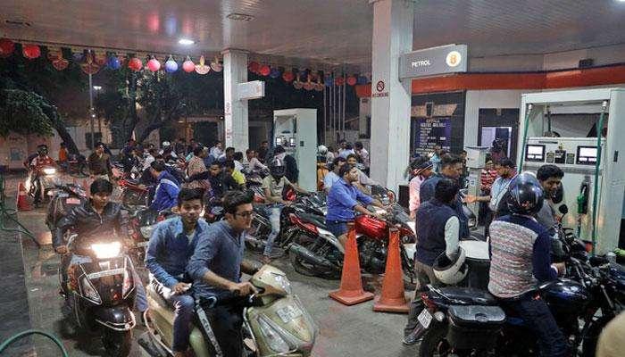 एका दिवसाच्या विश्रांतीनंतर पेट्रोल-डिझेलच्या किंमती वाढल्या