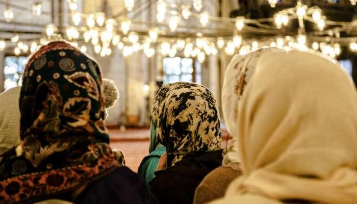मशिदीत महिलांना प्रवेश, हायकोर्टानं याचिका केली रद्द