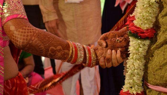 लग्न करण्याआधी नातं दृढ करण्यासाठी करा या चार गोष्टी