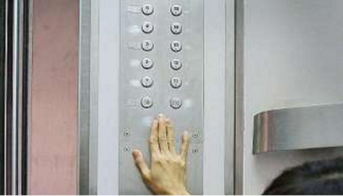पुण्यात लिफ्टमध्ये अडकून चिमुरडीचा दुर्दैवी मृत्यू