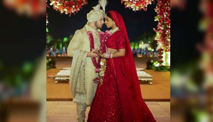 #PriyankaNickWedding : तिचा थाट असाही! ११० कारागिरांनी साकारला प्रियांकाचा 'हा' लेहंगा