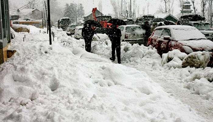हिमाचलमध्ये सर्वत्र बर्फाची चादर, महाराष्ट्रातही थंडी वाढली