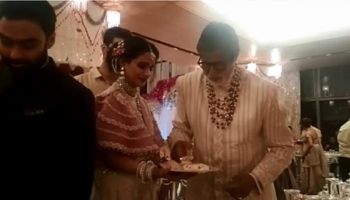VIDEO : अंबानींच्या लग्नात अमिताभ-शाहरुख-आमिर बनले वाढपी