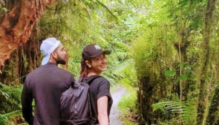 PHOTO : ओ साथी चल..., 'विरुष्का' पुन्हा देत आहेत #CoupleGoals