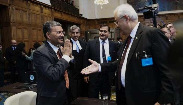 भारताच्या परराष्ट्र सहसचिवांचा पाकिस्तानच्या एटर्नी जनरलशी हस्तांदोलन करायला नकार