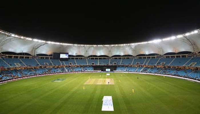 मॅच पाहायला गेलेल्या भारतीयांना दुबईच्या स्टेडियममध्ये अडवलं