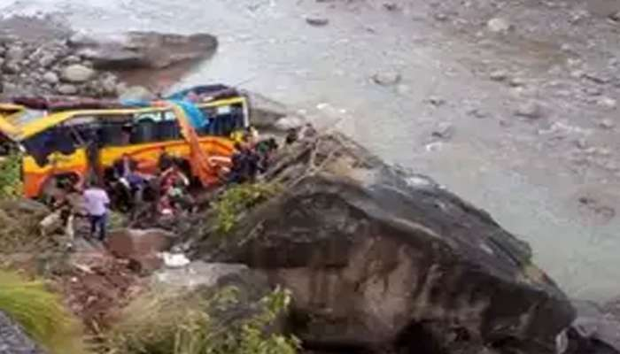 उधमपूर येथे अपघात, 6 जणांचा मृत्यू 32 जण जखमी