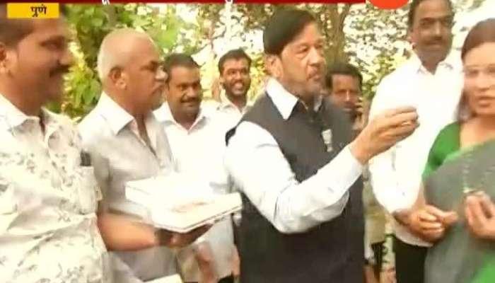 Pune Gurdian Minister Girish Bapat To Contest Election For Lok Sabha