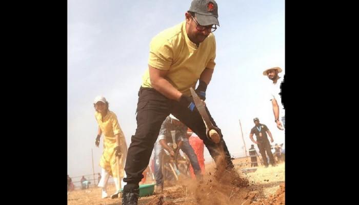 महाराष्ट्र दिनानिमित्त किरण राव आणि आमीर खानचं श्रमदान