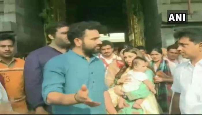 IPL 2019 : आयपीएल फायनलआधी रोहित शर्मा पत्नी-मुलीसोबत बालाजीच्या दर्शनाला