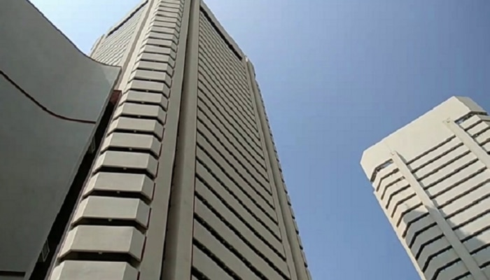 'वर्ल्ड ट्रेड सेंटर'वरून उडी मारत जीएसटी अधिकाऱ्याची आत्महत्या
