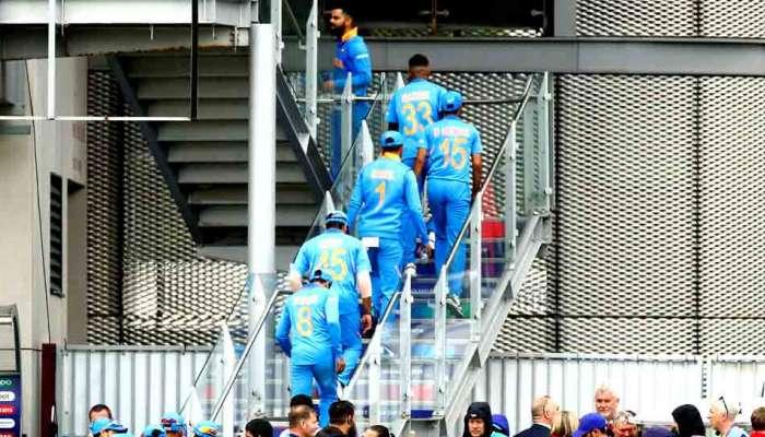 World Cup 2019 : पराभवानंतरही टीम इंडिया मॅनचेस्टरमध्येच, घरवापसी लांबली