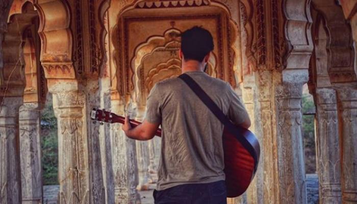 #Rahgir देशभरात गाण्यांच्या माध्यमातून आनंद पसरवणारा वाटाड्या...