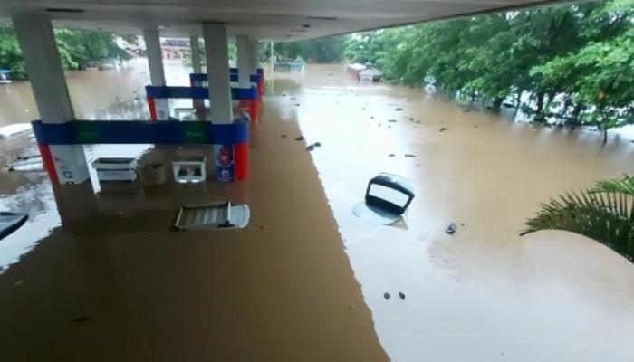 मुंबई-ठाण्यात मुसळधार पाऊस : मदतीसाठी इथे करा संपर्क, पालिकेचं आवाहन