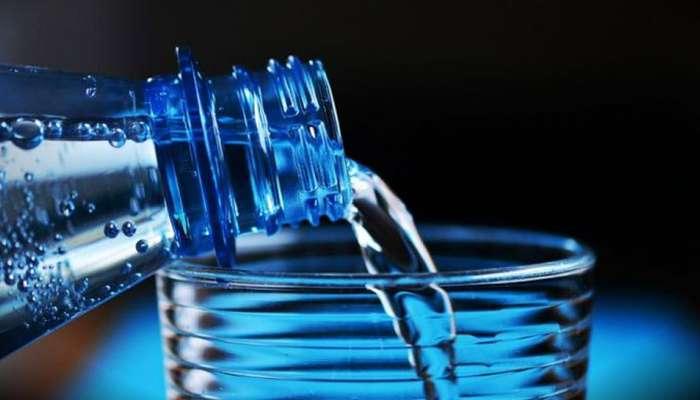 सुंदर त्वचेसाठी पीत आसाल भरपूर पाणी, तर व्हा सावधान