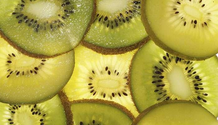किवी फळाचे आरोग्याला होणारे उपयोग