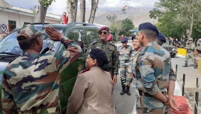 लेफ्टनंट कर्नल महेंद्रसिंह धोनी स्वातंत्र्य दिनाच्या दिवशी आहे तरी कुठे?